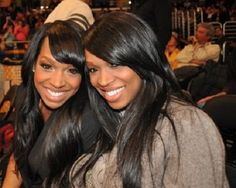 Malika and Khadijah Haqq are descended from the Afro-Iranian community; their parents are immigrants from Khuzestan, Iran. Afro-Iranians are Iranians of confirmed Sub-Saharan African descent. Afro, My Black Is Beautiful, Beautiful Women, Beautiful People, Beautiful Curves, Amazing Women, Beautiful Pictures, Celebrity Twins, Twins