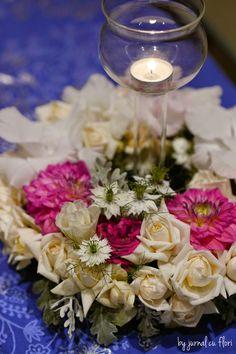 Jurnal cu flori: #aranjament masa #trandafiri, #dalii  #gladiole  #flori de gradina #lumanare