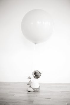 giant balloon // photo by leah naomi