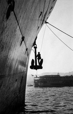 m3zzaluna:karaköy, 1954 photo byara güler, fromara güler'sistanbul ***please don't repost this as your own