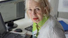 Auch in der Pension wollen Menschen erwerbstätig sein Es überwiegen für die befragten Personen über 60 jedoch die positiven Aspekte im Zusammenhang mit der Erwerbsarbeit während der Pension. Leben Baby Boomer, Alter, Coat, Fashion, Elderly Person, People, Guys, Moda, Sewing Coat