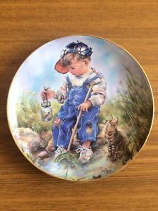 """Leonardo Collection Collectors Plate """"A Good Catch"""" By Christine Haworth"""