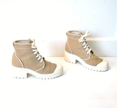 size 8 LUG sole PLATFORM boots vintage early 90s by onefortynine