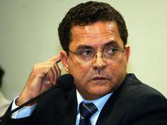 Foto de arquivo de 17/11/2005 do empresário Ronan Maria Pinto. A Polícia Federal deflagrou nesta sexta-feira, 1º, a Operação Carbono 14, a 27ª fase da Operação Lava Jato. O empresário Ronan Maria Pinto e o ex-secretário-geral do PT Silvio Pereira foram presos