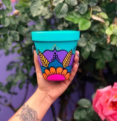 Painted Clay Pots, Painted Flower Pots, Clay Pot Crafts, Fun Crafts, Pottery Painting, Diy Painting, Flower Pot Design, Clay Flower Pots, Pot Plante