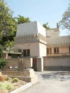 Hollyhock House - Frank Lloyd Wright    S208