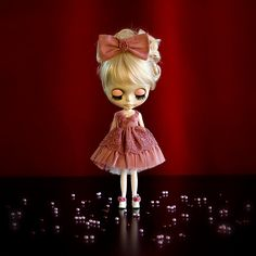 http://www.blythe-doll-fashions.com/wp-content/uploads/2012/06/EmilyGrey-Pole.jpg