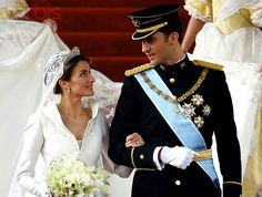 Letizia Ortiz - Queen of Spain is beautiful and so is her fashion sense.