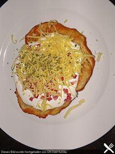 Ungarische Langos mit Knoblauchcreme und Käse, ein schönes Rezept aus der Kategorie Brot und Brötchen. Bewertungen: 179. Durchschnitt: Ø 4,7.