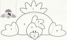 .Deze kip is zó leuk om op de onderste ronding van een hoepel te plakken.(De tekening uitvergroten door de delen op karton te tekenen) als je de vleugels op de zijranden plakt/niet dan is het  nét of ze met haar vleugels de hoepel vasthoudt!) dan met een draadje wat eitjes naar beneden laten hangen.