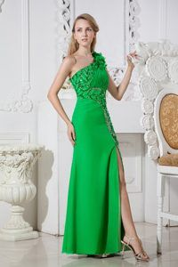 One-shoulder Floor-length Beaded Ruched Green Prom Dress with Appliques and Slit