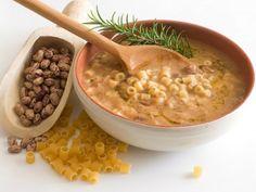 Pasta e fagioli Baby Food Recipes, Snack Recipes, Snacks, Pasta E Fagioli, Toddler Meals, Cheeseburger Chowder, I Foods, Pesto, Hummus