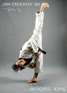 Maestros Marciales.: FLEXIBILIDAD CON KANG SHIN CHUL. (VIDEO TUTORIAL)