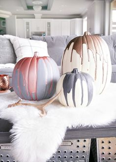 Try these amazing No Carve Pumpkin Decorating Ideas For Halloween. These Halloween decoration ideas with Pumpkins are easy to do and needs no carving. Modern Fall Decor, Fall Home Decor, Autumn Home, Diy Home Decor, Autumn Diy Room Decor, Diy Christmas Room Decor, Diy Decorations For Home, Fete Halloween, Halloween Pumpkins