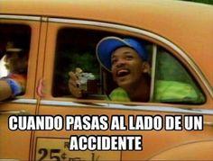 Cuando paso al lado de un accidente :v quién no lo hace? Para más imágenes graciosas visita: https://www.Huevadas.net #meme #humor #chistes #viral #amor #huevadasnet