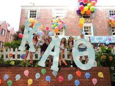 Kappa Alpha Theta Bid Day #KappaAlphaTheta #Theta #BidDay #letters #balloons #sorority
