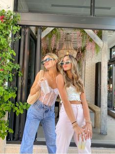 Foto Best Friend, Best Friend Photos, Fashion 90s, Fashion Outfits, Color Fashion, Cute Casual Outfits, Summer Outfits, Vintage Outfits, Shotting Photo