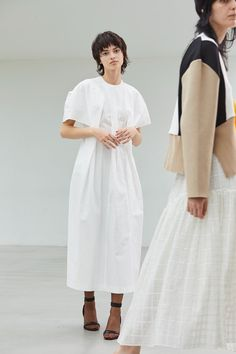 Akira Naka in 2020 Fashion Line, Fashion 2020, Fashion Fashion, Street Fashion, Date Outfits, Fashion Outfits, Modest Dresses, Summer Dresses, Autumn Street Style