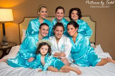 Bridal-Party-Getting-Ready-Photos-Matching-Robes