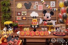 38 Maravillosas Ideas de decoración para Fiesta Mickey Mouse Festa Mickey Baby, Fiesta Mickey Mouse, Mickey Mouse Bday, Mickey Mouse Parties, Mickey Mouse Clubhouse, Mickey Mouse Birthday, Mickey Minnie Mouse, Mickey Candy Bar, Candy Bar Party