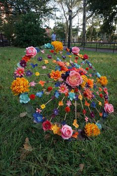 Precious Tips for Outdoor Gardens - Modern Fall Crafts, Diy And Crafts, Paper Crafts, Floral Wedding, Fall Wedding, Umbrella Decorations, Fall Decorations, Graduation Decorations, Umbrella Wedding