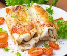 Ciasto na pizzę bez wyrastania - najszybsze, najlepsze - PrzyslijPrzepis.pl Pizza, Meat, Chicken, Food, Essen, Meals, Yemek, Eten, Cubs