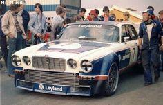 http://images.forum-auto.com/mesimages/493902/JaguarXJ12Cno.7Brno19771.jpg