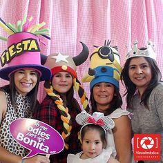 """La """"Fotocabina vintage"""" para el Baby shower de una hermosa mamá. Aparta tu evento!! www.vizualmexico.com.mx"""