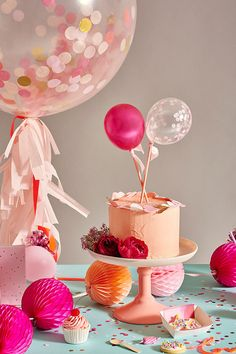 Balloon cake topper idea from Oh Happy Day!