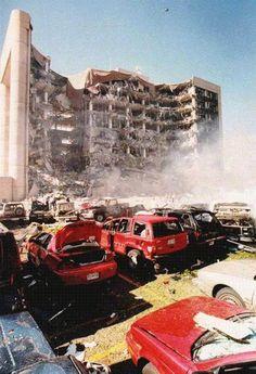Oklahoma City Bombing Memorial 2002 photo: Oklahoma City Bombing Memorial 2002 This photo was uploaded by bocadavie
