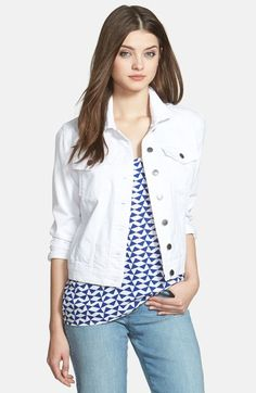 White Denim Jacket: A summer fashion must have! Click through for more fashion tips and ideas for the Modern Mom! Jo Lynne Shane