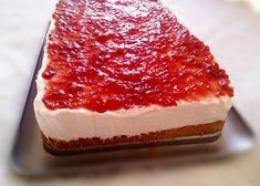This Raspberry Cream Dessert has three incredibly delicious layers that each bring an exciting aspect to the recipe. This will become an instant favorite! Layered Desserts, Light Desserts, No Bake Desserts, Raspberry Desserts, Raspberry Sauce, Cream Cheese Desserts, 9x13 Baking Dish, Healthy Cake, Healthy Desserts