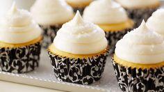 Receta   Cupcake esponjoso de vainilla (Fluffy vanilla cupcakes) (Cupcake) - canalcocina.es