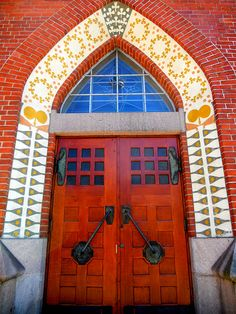 Mikaelin kirkko Turku church door, Finland