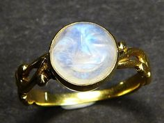 UNUSUAL ANTIQUE EDWARDIAN ENGLISH 18K GOLD CARVED MOONSTONE MOON FACE RING c1910