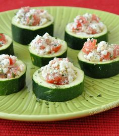 Have plenty of cukes! Stuffed Cucumber Cups Recipe ~ Keep this recipe in mind for your next summer party, it will be a hit!Use Bar-S bacon to add a delicious crunch to these refreshing stuffed cucumber cups.Stuffed Cucumber Cups - herbed cream cheese w/b Cucumber Cups, Cucumber Recipes, Cucumber Appetizers, Cucumber Bites, Zucchini Appetizers, Toothpick Appetizers, Cucumber Salad, Zucchini Cups, Stuffed Zucchini