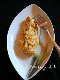 Papillotes de Poulet à la Moutarde 4 beaux blancs de poulet 4 bonnes c à soupe de Moutarde mi forte 6 c à soupe de Fromage blanc 2 branches de Thym (ici en émiétté pour aller encore plus vite :o) ) Sel, poivre
