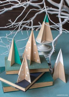 Make your own gorgeous Scandinavian wood Christmas tree with this downloadable template and how-to from handcrafted lifestyle expert Lia Griffith.