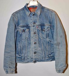 Vtg Levi's 80s 70411 Trucker Distressed Denim Jacket Flannel Lined Sz 38 Mens Sm #Levis #TruckerJacket