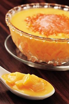楊 枝 甘 露 : grapefruit & mango dessert.