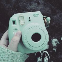 Instax mini 8 mint green - the perfect hiking/camping companion for those no tech trips! Mint Green Aesthetic, Blue Aesthetic Pastel, Aesthetic Colors, Aesthetic Pictures, Green Aesthetic Tumblr, Fujifilm Instax Mini, Picsart, Aesthetics, Polaroid Camera Colors