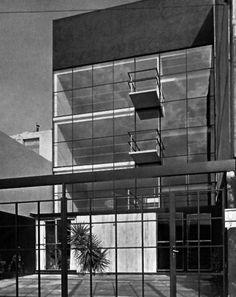 Edificio de Apartamentos 1962  Col. Nápoles. México D.F.  Arq. Manuel González Rul