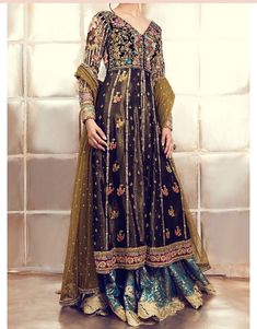 New Pakistani Party Wear Dresses Frock Collection 2020 Pakistani Party Wear Dresses, Nikkah Dress, Pakistani Wedding Outfits, Pakistani Bridal Dresses, Pakistani Dress Design, Indian Dresses, Wedding Hijab, Bridal Outfits, Bridal Lehenga