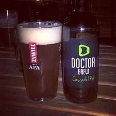 "Doctora Brew – ""Cascade IPA"" Pint Glass, Craft Beer, Brewing, Tableware, Instagram Posts, Female Doctor, Dinnerware, Brow Bar, Dishes"