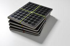 dot on #diary - Die Tagebücher mit dem schlichtschönen #Design  #klebepunkte #Illustrationen #Tagebuch #diy #doton #diary #madeingermany