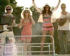 "Little Big Town ""Pontoon"""
