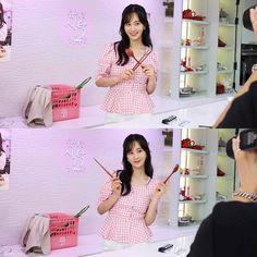 Yuri Girls Generation, Kwon Yuri, Snsd, Asian Girl, Summer Dresses, Women, Real Man, Twitter, Beauty