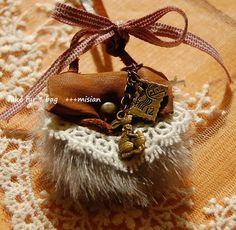 ファーと革のちいさなバッグのネックレス - ちっちゃなよろずや Bracelets, Jewelry, Fashion, Moda, Jewlery, Bijoux, La Mode, Jewerly, Bracelet