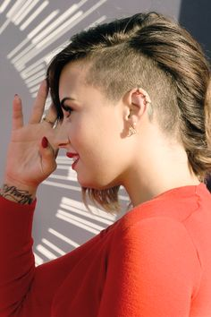 This is probably going to be my next hairstyle. Im getting tired of all one length and all one color.