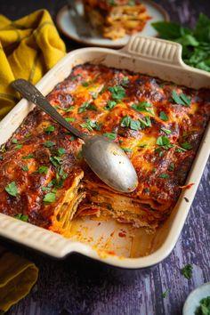 Aubergine Mozzarella, Cordon Bleu, But First Coffee, Bolognese, Lasagna, Veggies, Baking, Ethnic Recipes, Kitchen